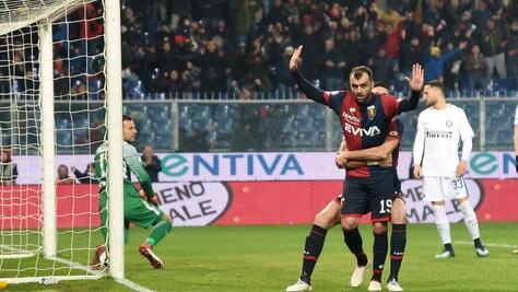 Serie A, Genoa-Inter 2-0: autogol di Ranocchia e Pandev, Spalletti ko