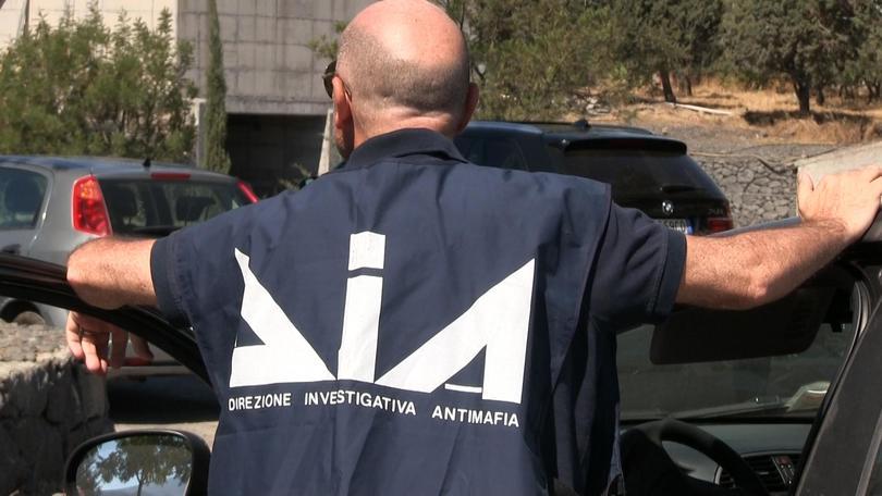 'Ndrangheta:27 fermi e sequestro 100 mln