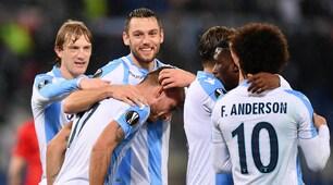Europa League, Felipe Anderson-show e tripletta di Immobile: la Lazio vince 5-1 e vola agli ottavi. Niente fischi per De Vrij