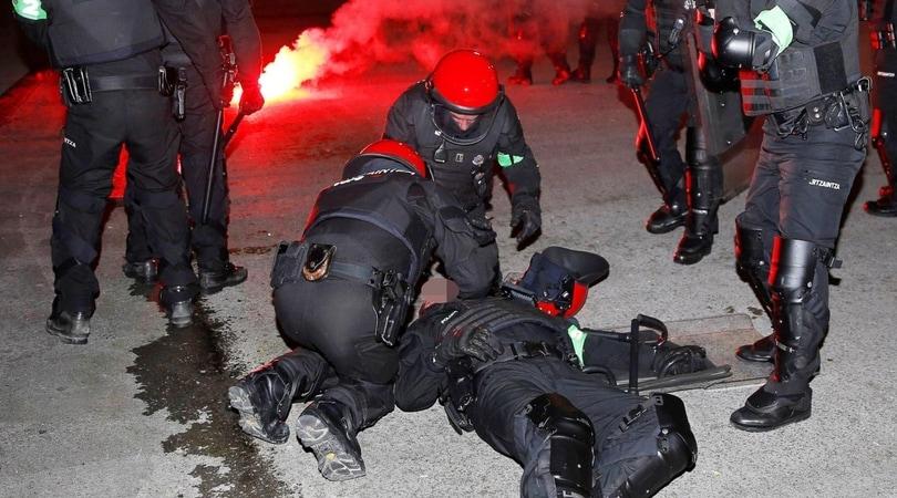 Scontri a Bilbao tra polizia e teppisti russi: morto un poliziotto