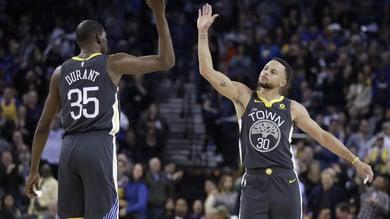 NBA, Golden State nella storia: 51 punti nel primo quarto. Denver Nuggets ko