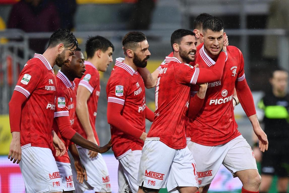 Frosinone ko: il Perugia vola 3-1 allo Stirpe