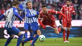 Bundesliga: Bayern Monaco frenato, ma guida a +20