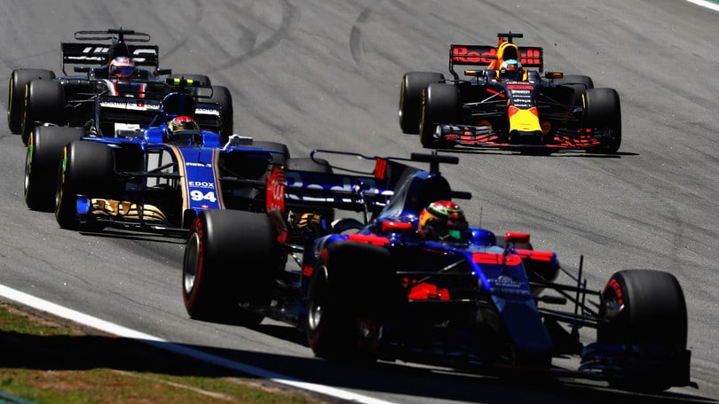 F1, al via i primi test a Barcellona
