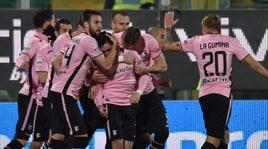 Palermo vola: 4-1 all'Ascoli, ora a -3 dalla Serie A