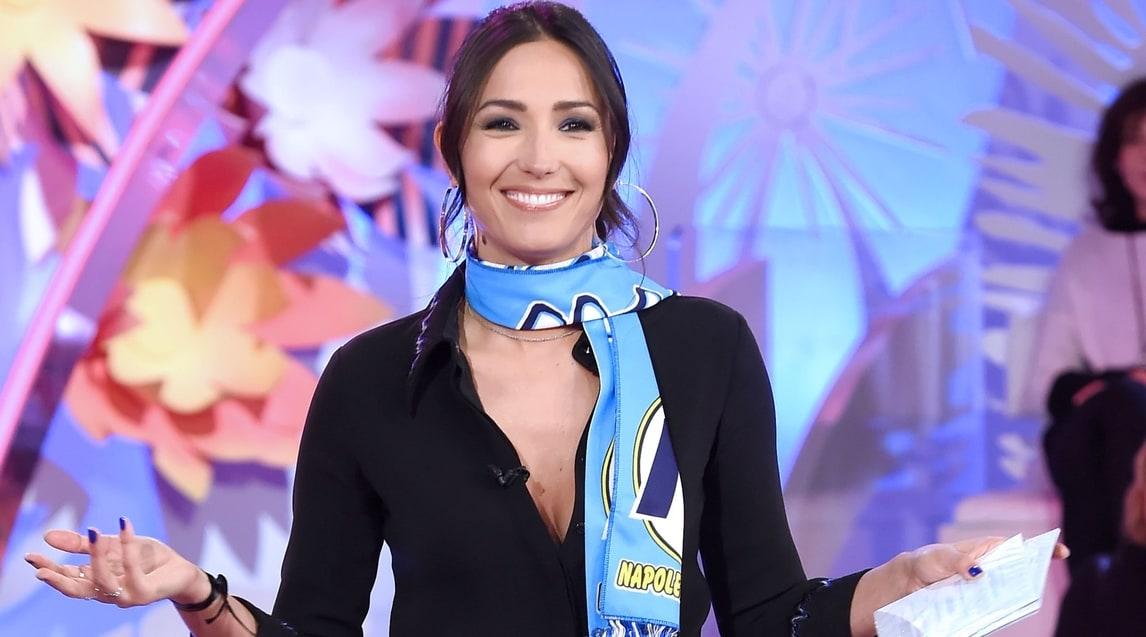 Caterina Balivo in tv con la sciarpa del Napoli - Corriere dello Sport 20fd02251dea