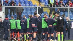Morte Astori, giocatori di Cagliari e Genoa e tifosi sconvolti a Marassi