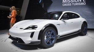 Porsche Mission E Cross Turismo, avventure green