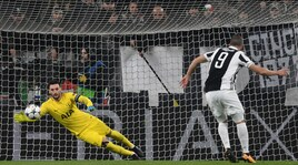 Tottenham-Juventus, Lloris contro il mito: «Buffon è leggenda»