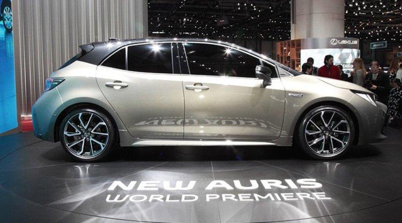Toyota Auris, doppio ibrido al momento giusto