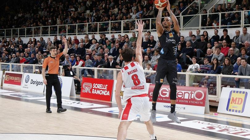 Basket Serie A, Trento supera Varese
