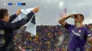 Fiorentina, Vitor Hugo segna e mostra la maglia di Astori