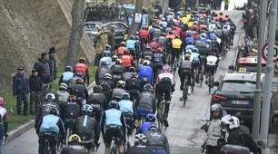 Tirreno-Adriatico, Yates trionfa a casa Scarponi