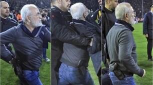 Follia in Grecia: il presidente del Paok entra in campo con la pistola