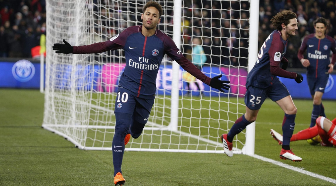 2 - Neymar Jr. (Paris Saint-Germain) da 247,4 milioni di euro a 209,4 (-38)