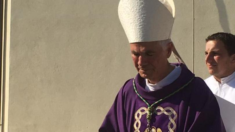 Vescovo Ascoli vicino a atleti aggrediti