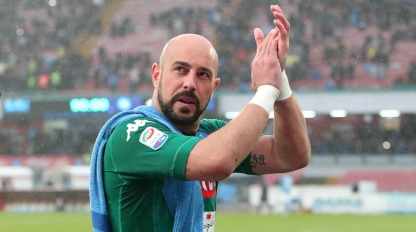 Reina al Milan, i tifosi del Napoli si dividono