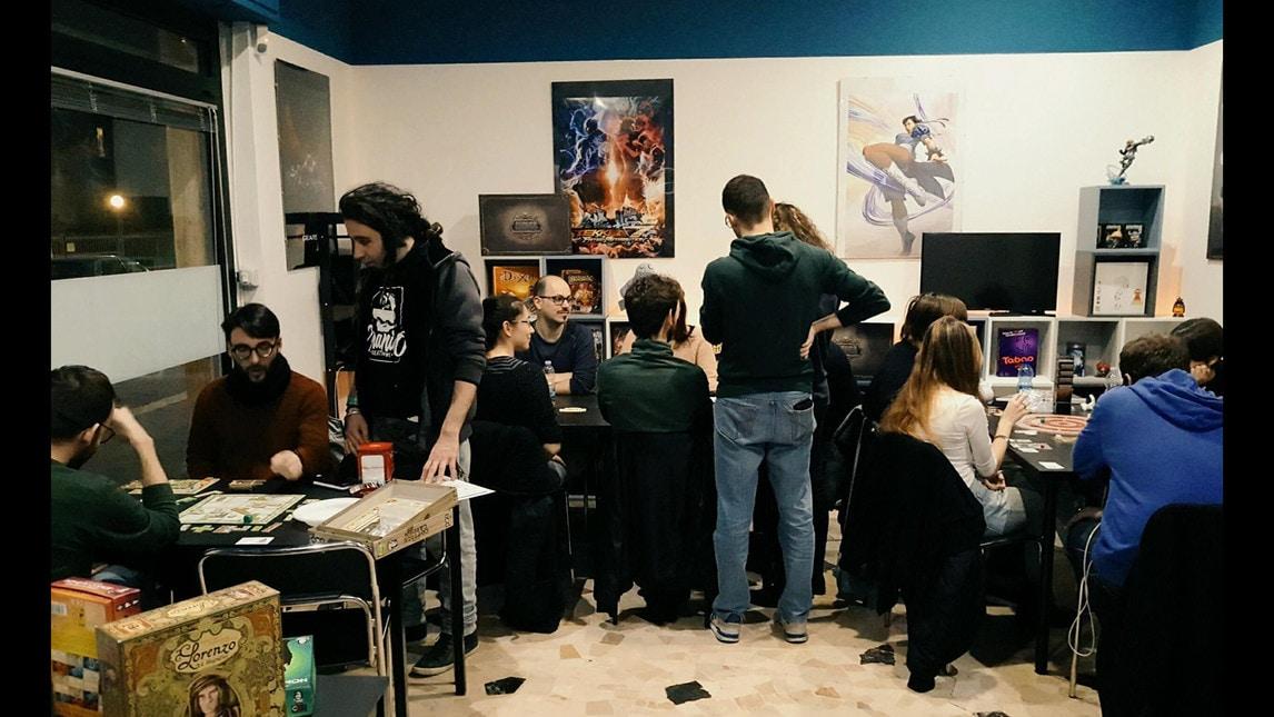 Titan Gaming Center è il primo gaming center nato a Milano nel 2016 con l'obiettivo di offrire un punto di riferimento fisso per tutti i giocatori, professionisti e non, con uno spazio all'avanguardia dedicato al gaming  L'attività mette in campo tutta la sua esperienza nel creare eventi dedicati ai giochi del momento grazie alla collaborazione con i partner più attivi nel gaming in Italia  Titan Gaming Center collabora con Hell Gaming ASD dal 2017, in qualità di sponsor ufficiale. Hell Gaming ASD è un progetto tutto italiano atto a creare team competitivi sui titoli più giocati in Italia.  Attualmente sono attivi i team di Tekken 7, Rainbow Six: Siege, Fifa 18 e League of Legends. In particolare il team di Tekken 7 ha ottenuto ottimi risultati durante il Tekken World tour del 2017, con 2 player nella top 10 europea, mentre il team di Rainbow Six: Siege ha ottenuto il terzo posto alle finali del torneo ESL_R6S italiano.