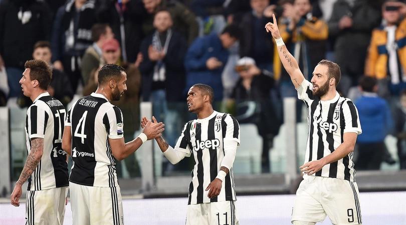 Serie A, Juventus-Atalanta 2-0: Higuain e Matuidi portano Allegri a +4 sul Napoli