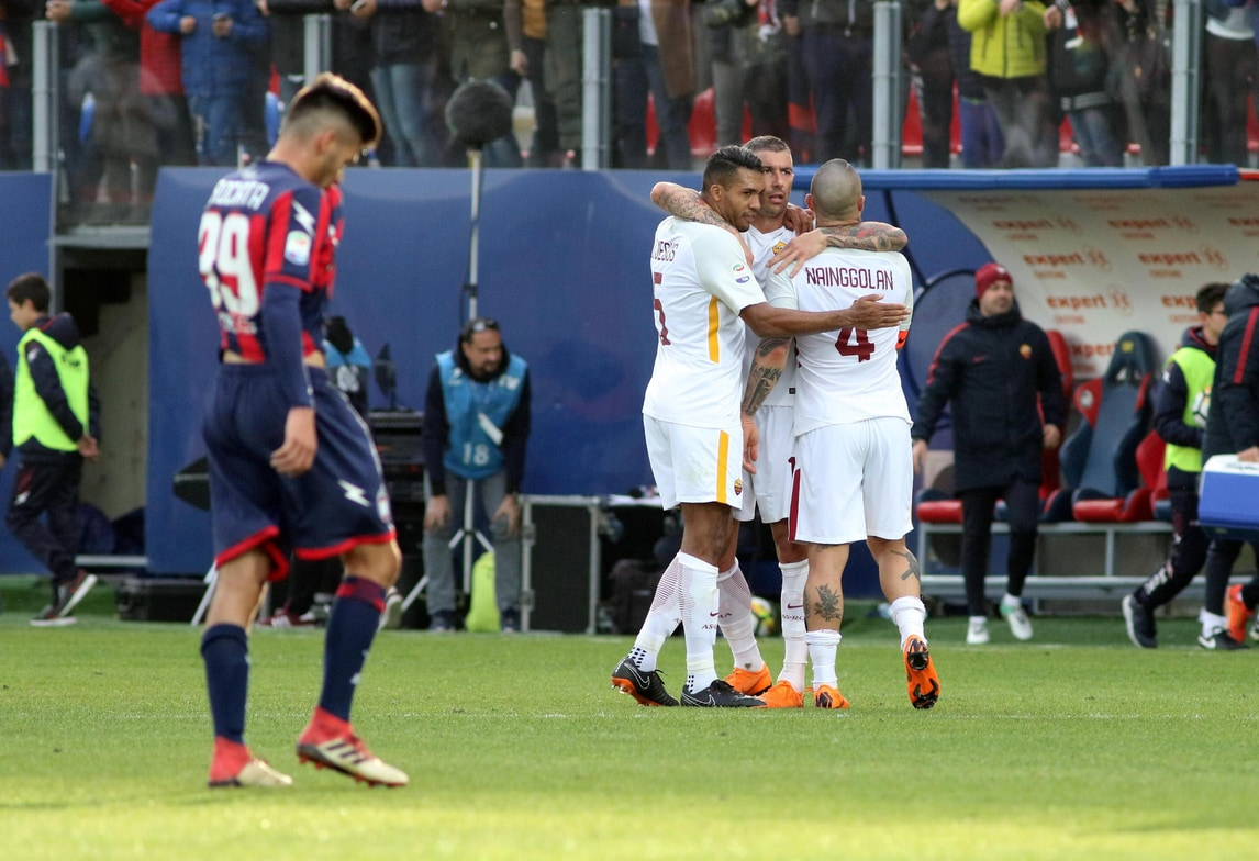 Crotone-Roma 0-2: decidono El Shaarawy e Nainggolan