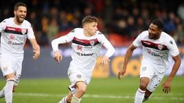 Serie A, Benevento-Cagliari 1-2: Pavoletti e Barella in pieno recupero, tre punti a Lopez