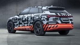 Audi e-tron, il Suv elettrico: foto