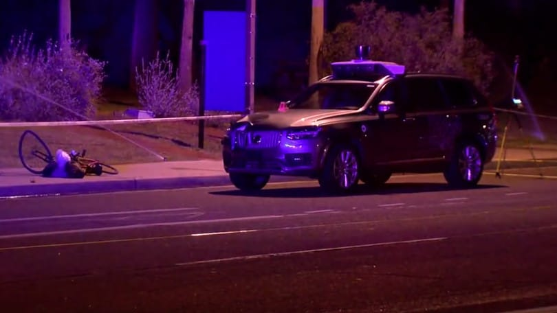 Guida autonoma, il video dell'incidente mortale Uber