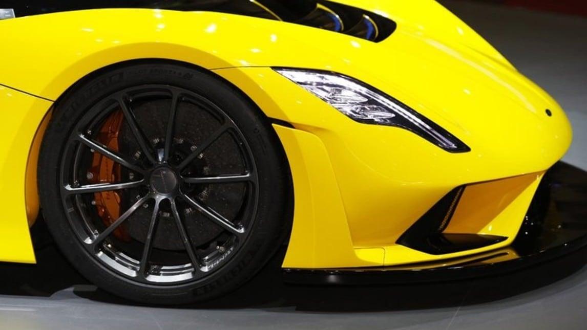 Presentata al Salone di Ginevra la nuova hypercar americana con motore V8 biturbo da 1600 cavalli: l'obiettivo è superare i 480 km/h di velocità massima.