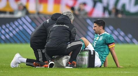 Juventus, ansia per Khedira: esce per un infortunio al ginocchio