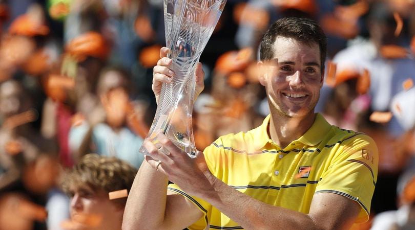 Isner trionfa a Miami, Zverev battuto al terzo set