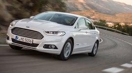 Ford Mondeo Hybrid Vignale, maratoneta generosa: prova su strada