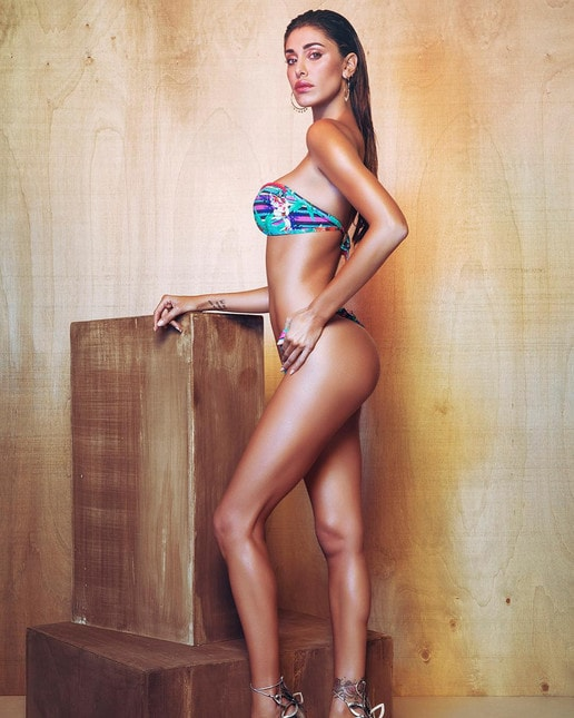 Belen Calendario Hot.Belen E Cecilia Hot Gia Pronte Per L Estate 2018 Corriere