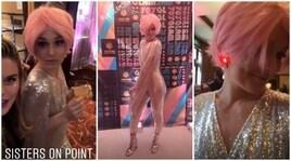 Party anni '70 e parrucca rosa, Lindsey Vonn scatenata...per beneficenza