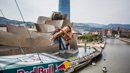 Red Bull Cliff Diving, la velocità della F1 in un tuffo