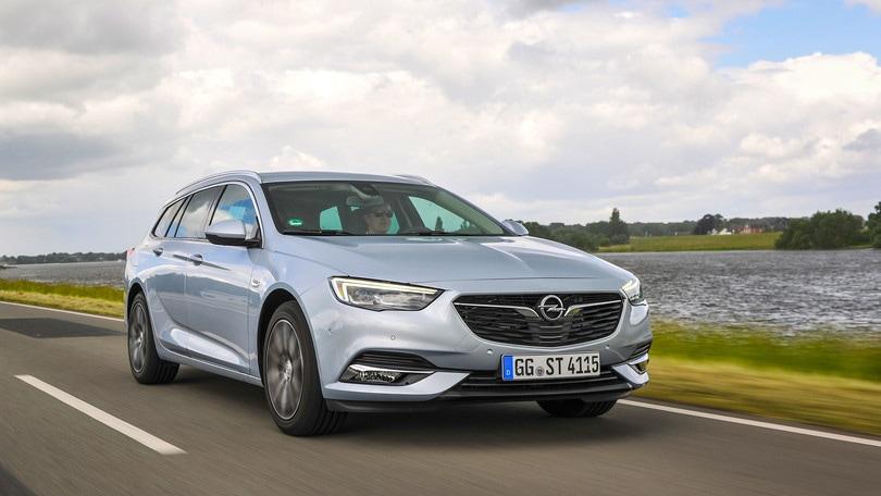 Opel Insignia Sport Tourer, la prova: tanto spazio in agilità