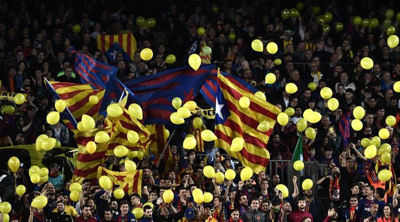 Lancio di palloncini gialli in Barcellona-Roma: l'Uefa apre un procedimento