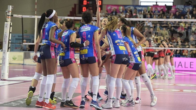 Volley: A1 Femminile, Semifinali Play Off: Novara supera Busto e va 2-0