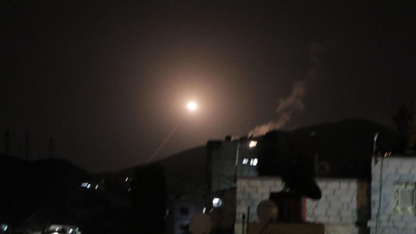 Siria, '30 missili, un terzo abbattuti'