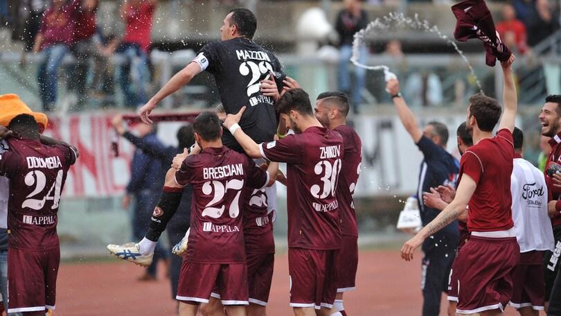 Serie C, Livorno in vetta: 2-0 al Pisa. Siena ko ad Arezzo