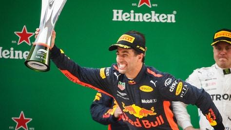F1 Cina, Ricciardo: «Vittoria totalmente inattesa, mi sono divertito»