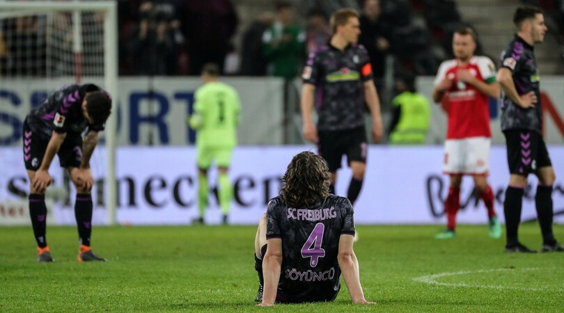 Clamoroso in Bundesliga: il Var assegna un rigore durante l'intervallo