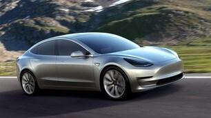 Tesla, Musk: Ritardi Model 3 per eccessiva automazione
