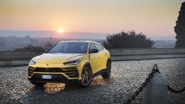 Lamborghini Urus, anteprima su strada a Roma