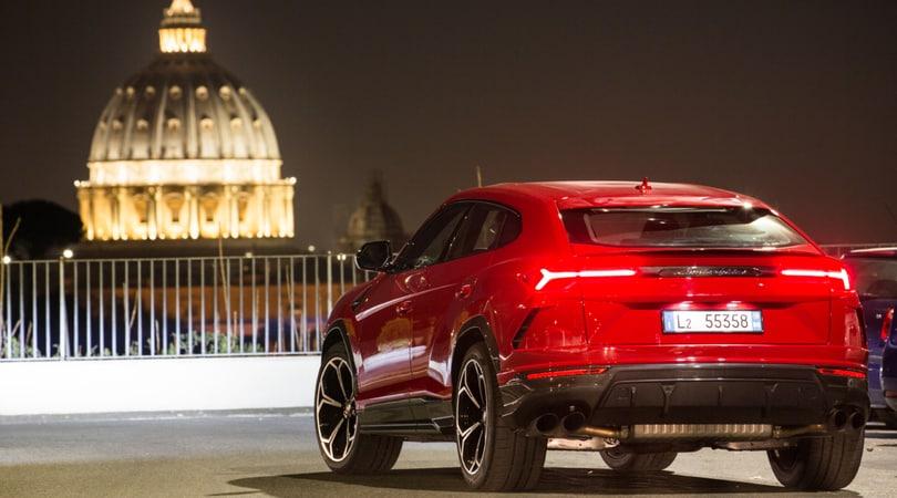 Lamborghini Urus, debutta a Roma il Suv più veloce del mondo