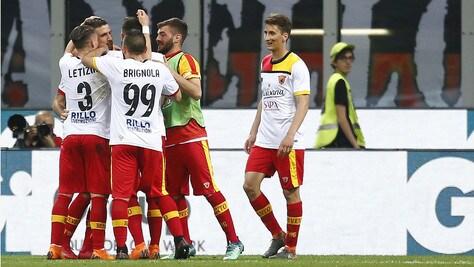 Serie A, Milan-Benevento 0-1: decide Iemmello al 29'