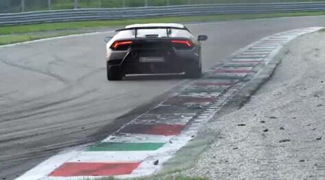 Lamborghini Huracàn Performante: ecco come si pilota a Monza