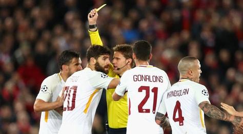 Moviola Liverpool-Roma, disastro Brych: fallo sull'1-0 poi fuorigioco sul 3-0