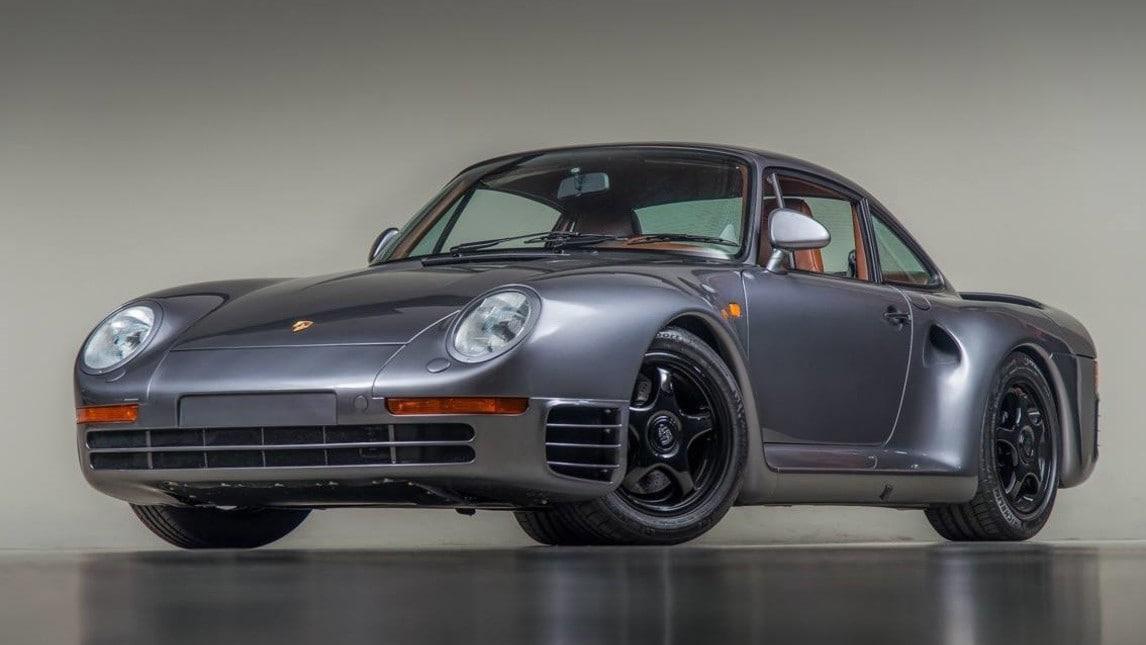 Sport Canepa è l'ultima realizzazione dello specialista USA su base Porsche 959. Un restauro totale, che richiede 500 ore di lavorazione solo all'esterno, da sommare al completo rifacimento degli interni e l'elaborazione del motore twin-turbo boxer da 2.85 litri, per arrivare a esprimere 800 cavalli. Canepa crea la sintesi perfetta di un mito anni Ottanta traghettato nell'era moderna