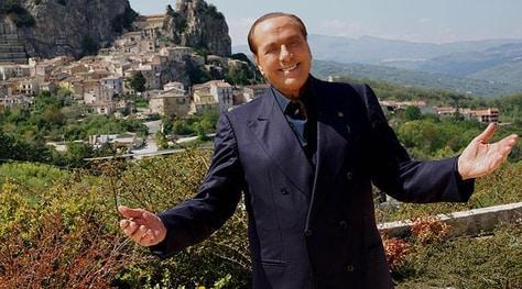 Berlusconi: «Finirò per ricomprare il Milan»