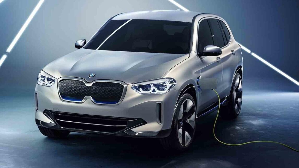 Presentato al Salone di Pechino 2018, il primo sport activity elettrico Bmw ha una potenza di 270 cv, autonomia di 400 km, ricarica veloce in 30 minuti